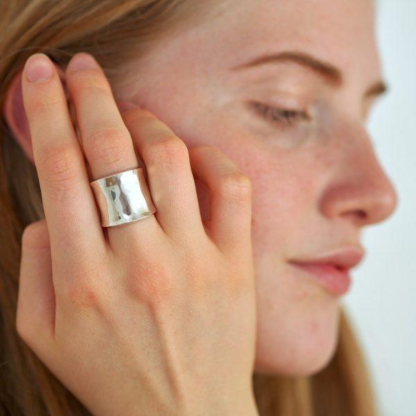 anello-argento-rigido-a-fascia