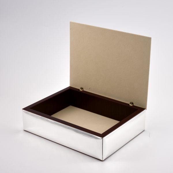interno scatola porta oggetti argento