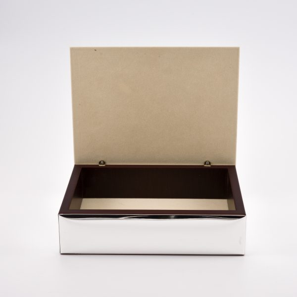 interno scatola porta gioie argento